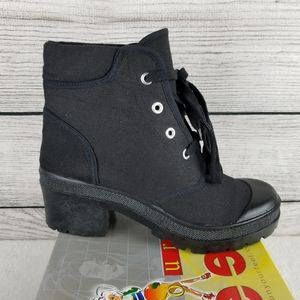 NEW Canvas Black Lace up Heeled Ankle Boot Size 8M